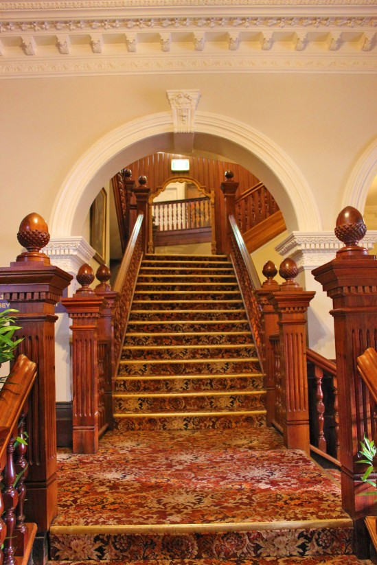 Empire Hotel The Grand Staircase