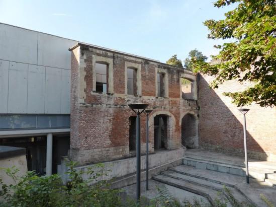 Historial de la Grande Guerre, Château de Péronne, Place Andrï
