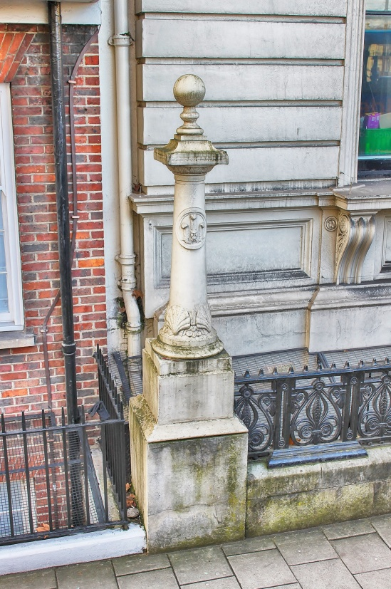 Pillar, 12 Buckingham Gate, St James's