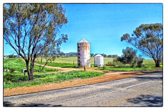 Old Grain Silo, Great Southern Highway, Gilgering (Beverley)