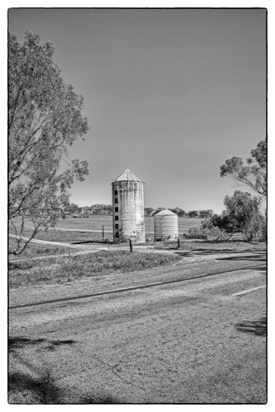 Old Grain Silo Great Southern Highway, Gilgering (Beverley)